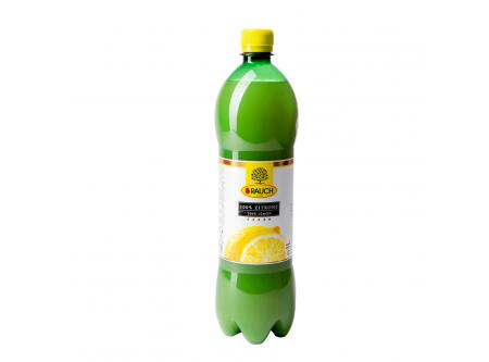 Zitronensaft aus Zitronensaftkonzentrat