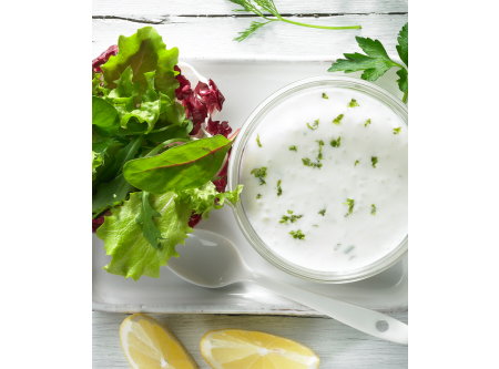 Joghurt-Dressing mit Kräutern
